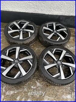 Nissan qashqai alloy wheels 19 Only Covered 200 Miles From New